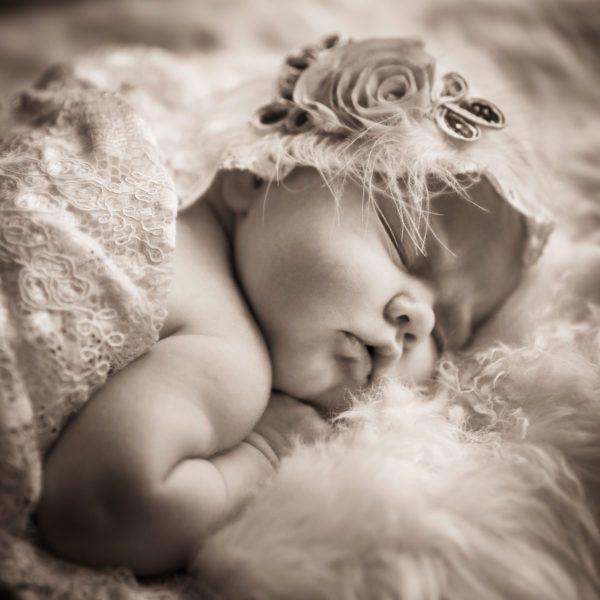 Newborn -kuvaus
